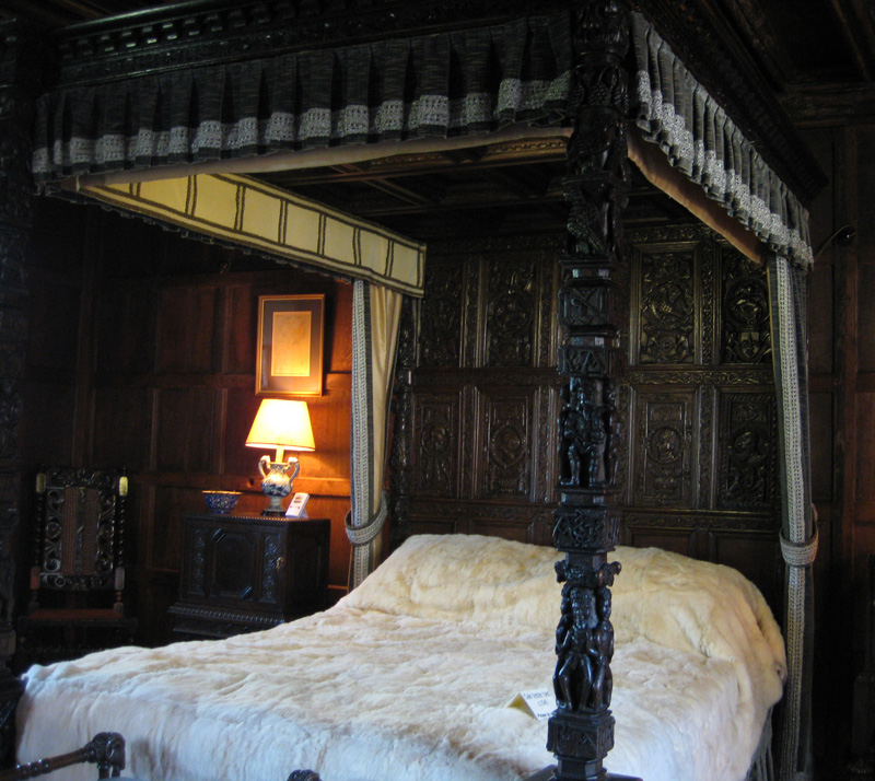 Hever Castle Hever Castle Canopy Bed & England Pictures 2008